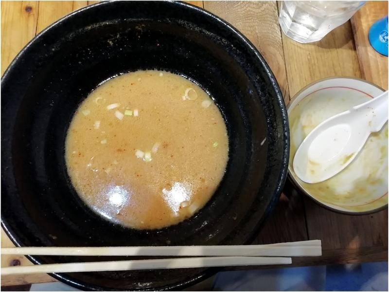 とんかつ熊さんのスタミナ味噌ラーメンとミニカレー丼を完食。