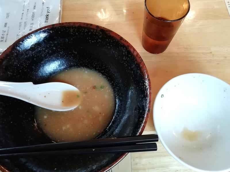 らー麺Chopさんのとりそばとチャーシュー丼を完食。