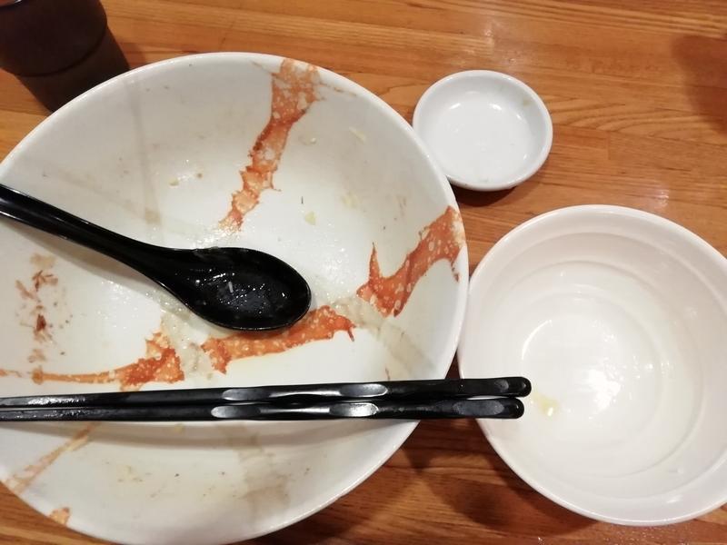 麺屋ひな多さんのズワイ蟹と鯵のまぜそばと追い飯を完食・完飲。