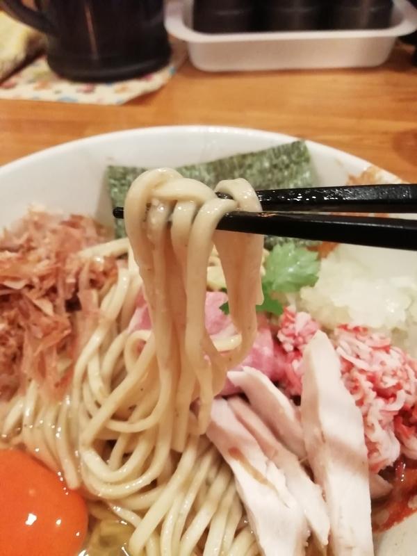 麺屋ひな多さんのズワイ蟹と鯵のまぜそばの麺