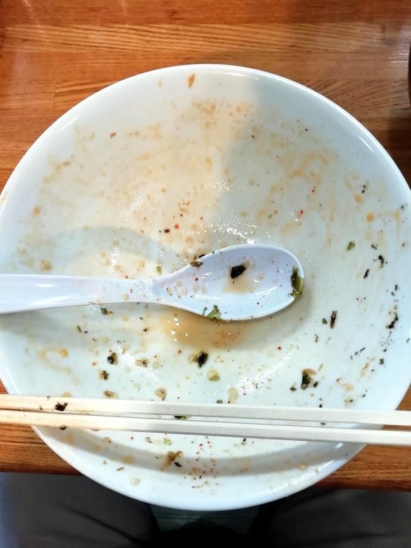 中華そば136さんの特製中華そば(中辛)を完食・完飲。