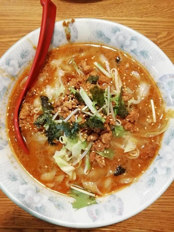 食為先さんの担々刀削麺 700円