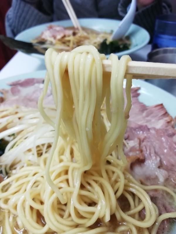 ラーメンショップ椿さんの麺 硬め