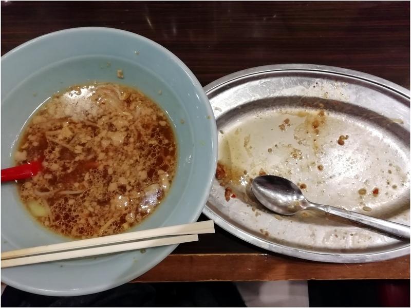立川マシマシ8号店さんのミニラーメンとマシライスを完食。