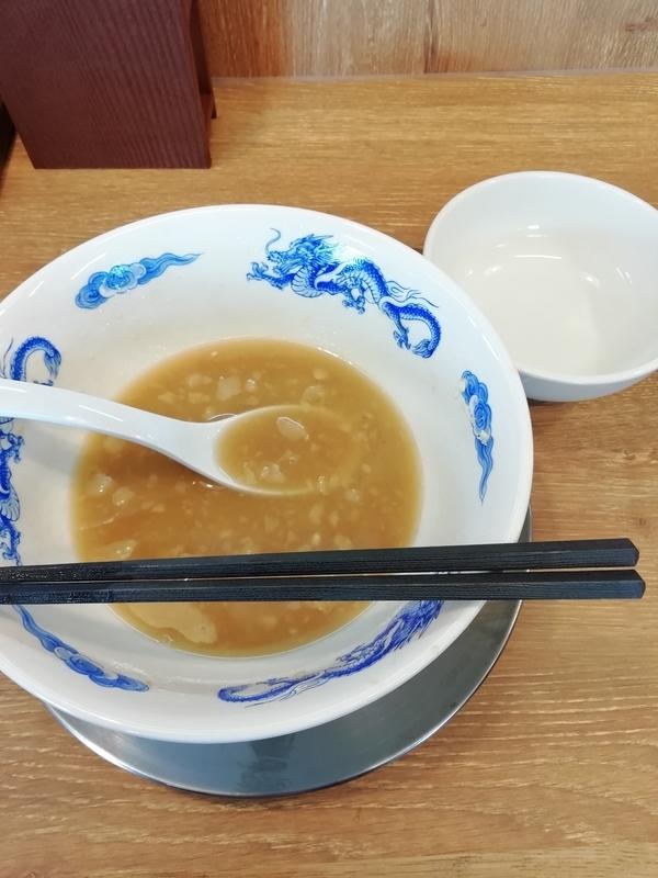 ジャンクガレッジ深谷店さんのラーメン並とライス(小)を完食。