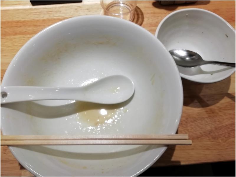 麺屋れんしんさんの鶏白湯らーめんとチャーシュー丼を完食・完飲。
