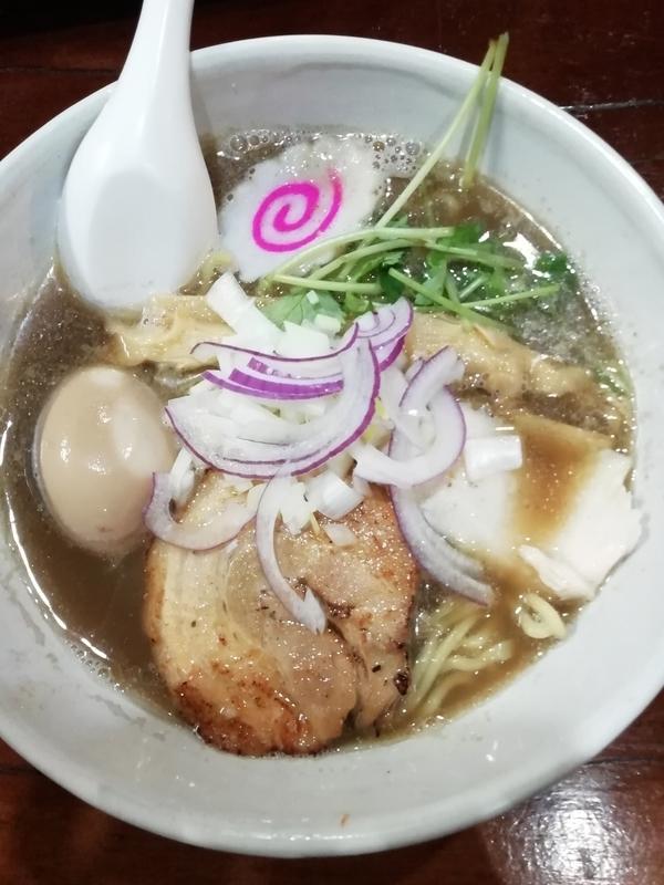 麺屋芽ぶきさんの濃厚煮干しラーメン 800円(中太麺)