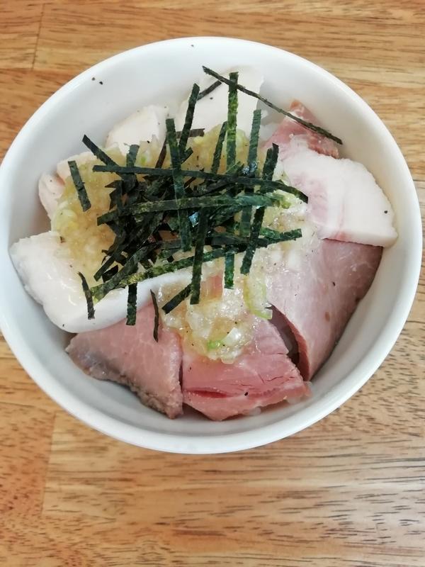麺屋 心羽さんのねぎ塩チャーシュー丼 300円