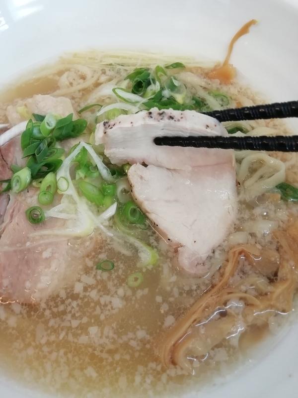 麺屋 心羽さんの低温調理鶏チャーシュー