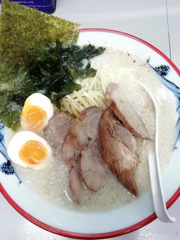 ラーメンショップ122号騎西店のネギ塩チャーシューメン 980円 脂多め+煮玉子100円