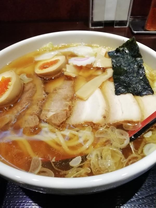 中華蕎麦 金魚さんのチャーシューワンタンメン 1100円