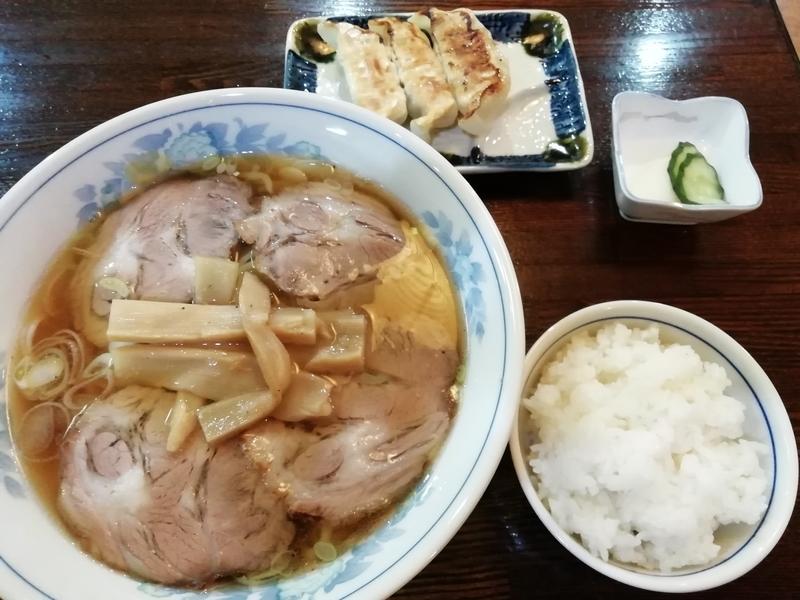 平野屋直伝 増やさんのチャーシューメン 900円+餃子セット250円