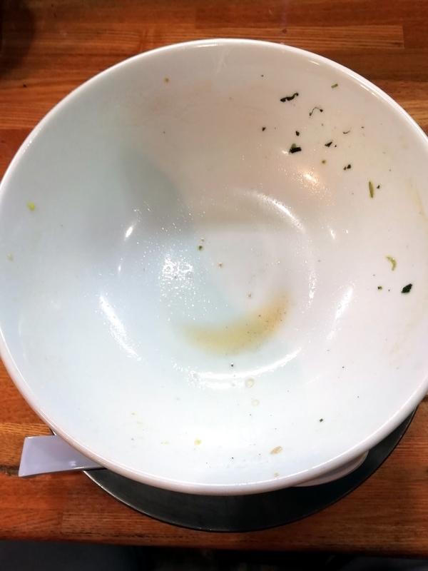 中華そば136さんの特製中華そばOLDを完食・完飲。