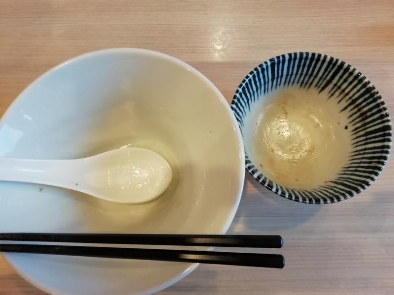 寿製麺よしかわ 坂戸店さんの芳醇真鯛そばとチャーシュー丼を完食・完飲。