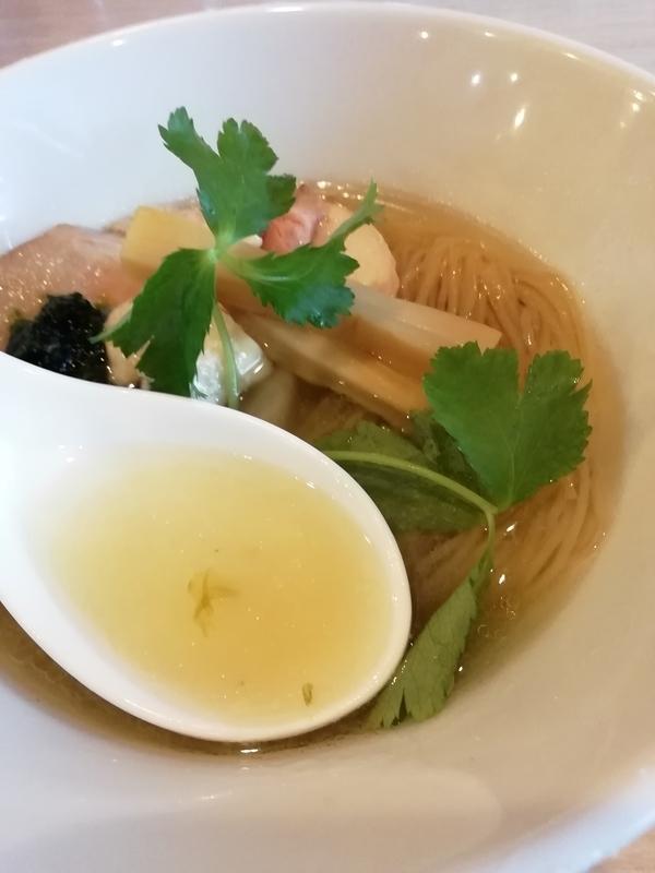 寿製麺よしかわ 坂戸店さんの芳醇真鯛そばのスープ