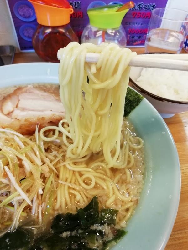ラーメンショップ深谷川本店さんのネギチャーシューの麺