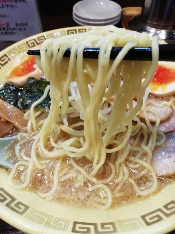 江川亭 小金井本店さんの細麺