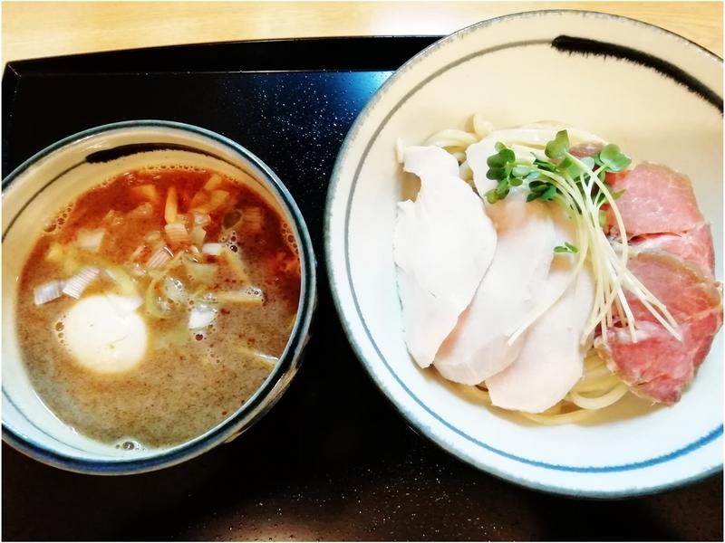 つけ麺 鶏そば いな月さんの鶏魚介の特製つけ麺 1050円