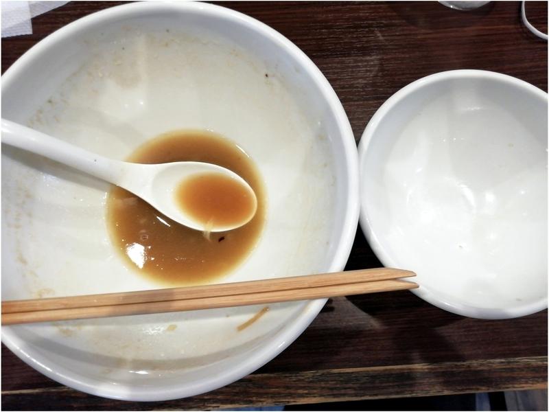 まかないへきるさんの濃厚中華そばとまかないご飯を完食。