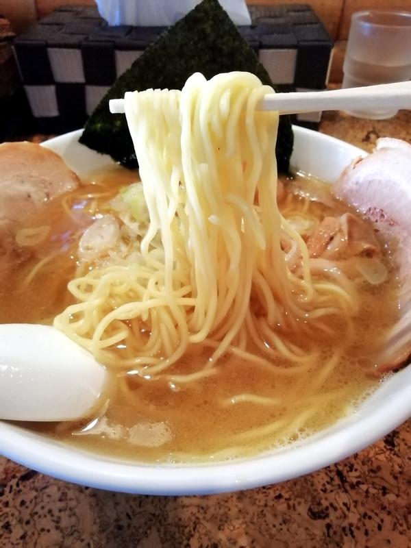 きくちひろきさんの細麺