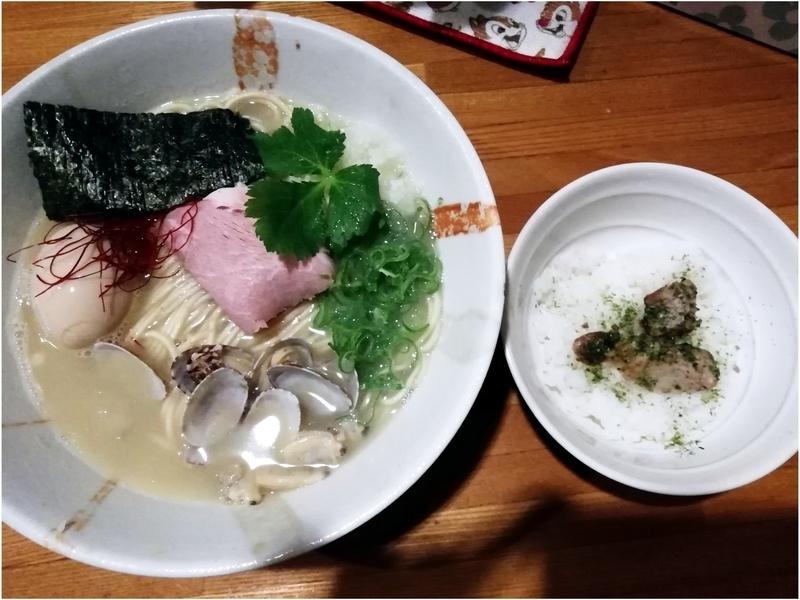 麺屋ひな多さんの上州地鶏と秋アサリの鶏白湯そば〜おい飯付〜(並)1000円