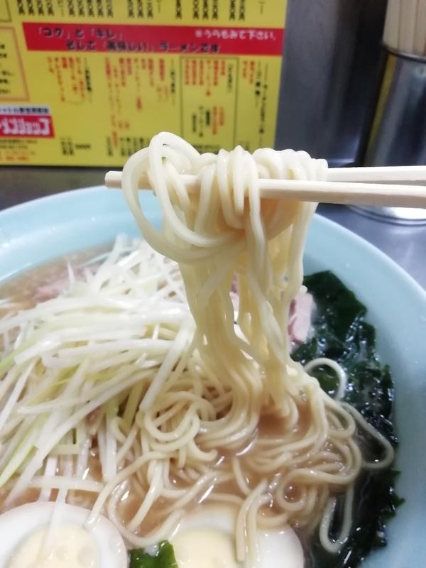 ラーメンショップ ニューシャトル東宮原駅前店さんの麺