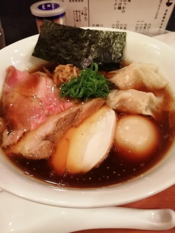 自家製手もみ麺 鈴ノ木さんの特製醤油ラーメン 1100円