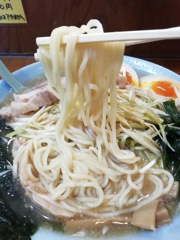 ラーメンショップ佐野店さんのネギチャーシューの麺