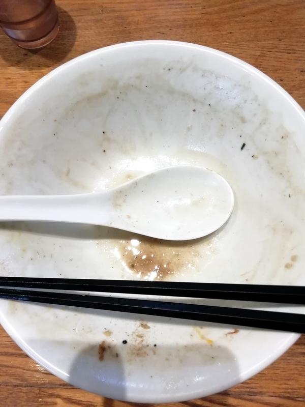 中村屋総本山さんの濃厚煮干そばを完食・完飲。