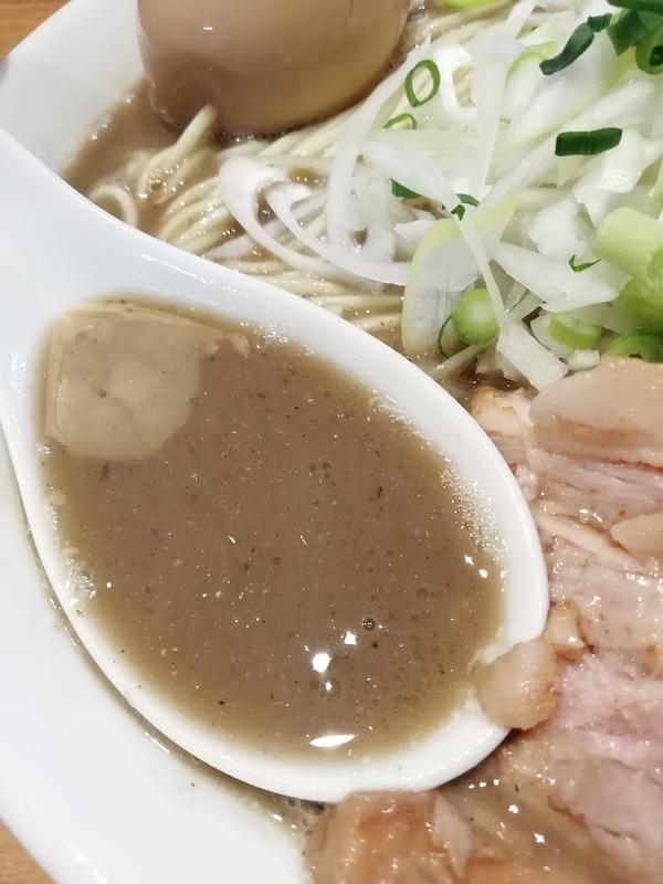 中村屋総本山さんの濃厚煮干そばのスープ