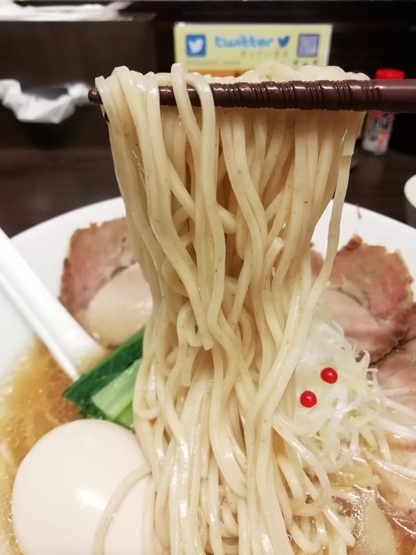 花笑み中華そば かれんさんの麺