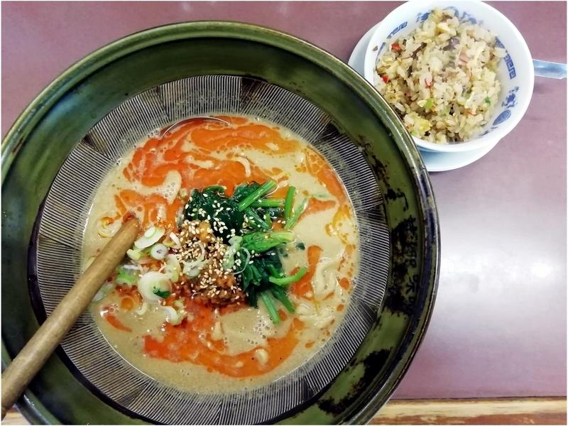 四華郷さんの担々麺とミニ炒飯 750円
