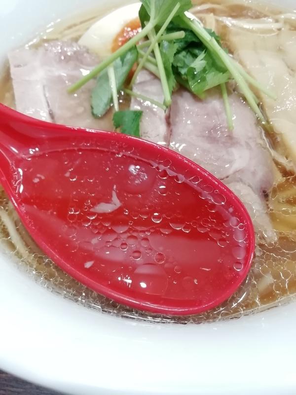 中華そば 燕屋商店さんの中華そば醤油のスープ