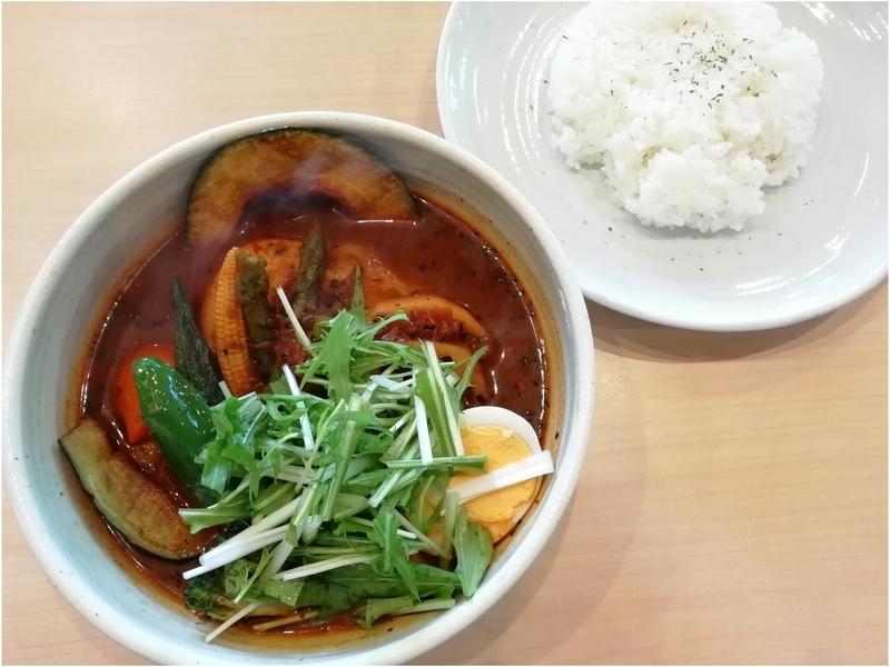 スープカリーNecoさんのチキンベジタブルカリー(トマトスープ) 1200円