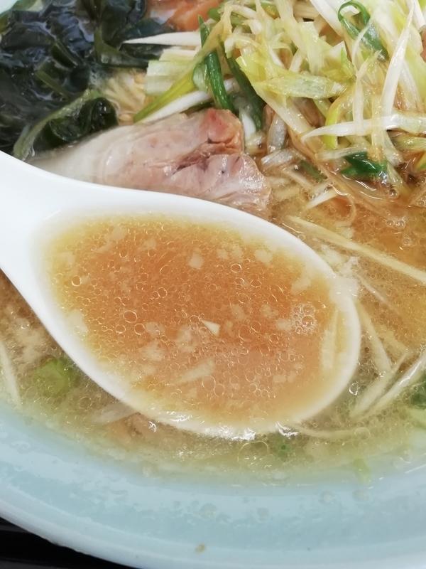 ラーメンショップ北川辺店さんのネギラーメンのスープ