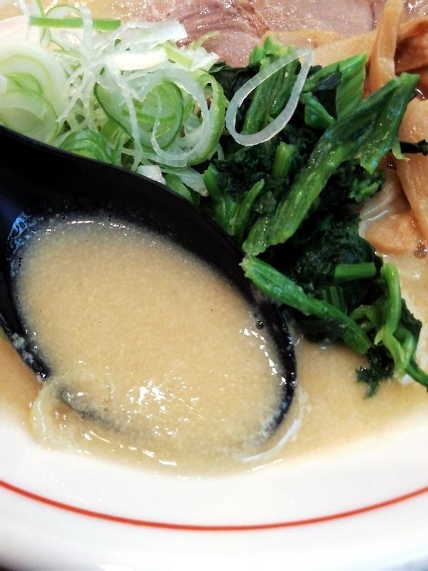 ももちゃん亭さんのポタージュ醤油ラーメンのスープ
