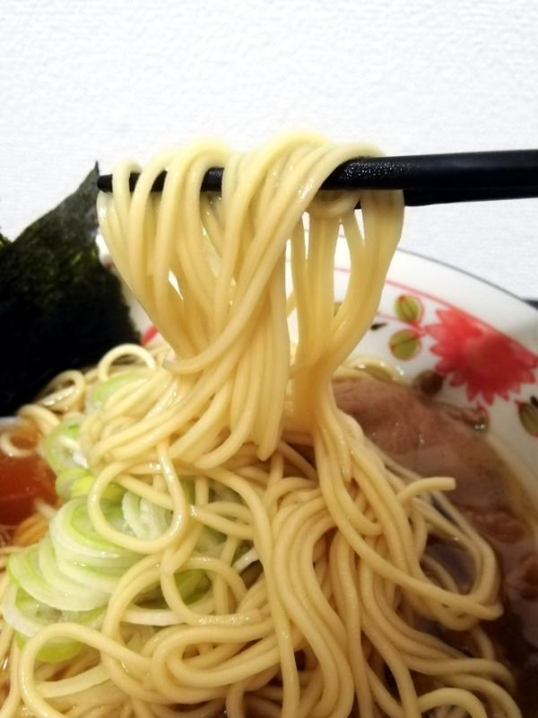 カネキッチンヌードル 鶏醤油らあめん@ヌードルツアーズの麺