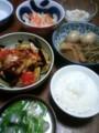 今夜は豚トマトナス中華炒めとゴボウ厚揚げ煮とモヤシナムルと里芋汁