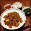 今夜はドライカレーと福神漬と焼きピーマンと山芋ぬか漬け(´¬`) ら