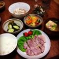 今夜は塩麹豚焼きと切り昆布梅和えと人参ズッキーニ炒めと納豆とぬか