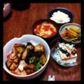 昨夜は鶏と茄子の甘酢丼とピータン豆腐とピーマン人参炒めとトマト玉