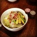 今日の昼ごはんは白菜のかけ蕎麦(´¬`) 胡麻油と蕎麦は合いますなあ