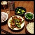 今夜は回鍋肉と菜の花おひたしとたたき胡瓜とモヤシスープとごはん(´