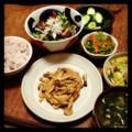 今夜は豆腐ハンバーグとトマトからし菜サラダとモヤシ炒めとおかかニ