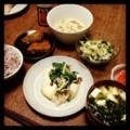 今夜はカジキマグロ塩麹焼きと切り干し大根サラダと梅ニンジンとコロ