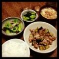 今夜は豚茄子オイスター炒めと青梗菜胡麻和えとピリ辛キュウリと豆腐