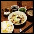 今夜は鶏キャベツ豆 炒めとピータン豆腐とジャコピーマンとイナゴと