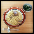 今日の昼ごはんはボンゴレビアンコとほうれん草のめかぶ和え(´¬`)