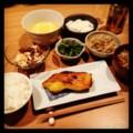 昨夜は粕漬けとウドとホタルイカ酢味噌とウドキンピラとコゴミと山芋