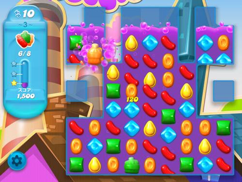 キャンディークラッシュソーダのパズル画面。ボトルを消して水位が上がる様子